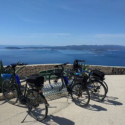 Dalmatian wine roads - Self guided bike tour
